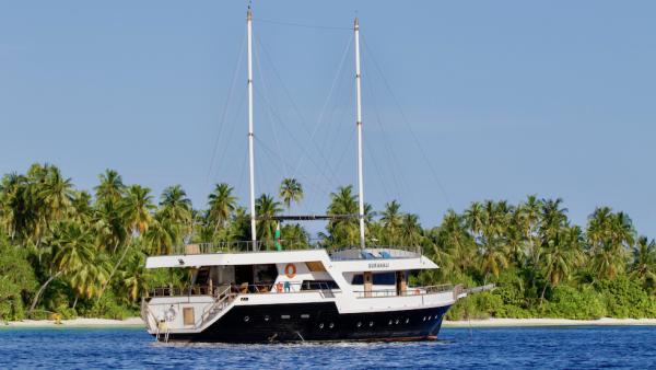 Gurahali Maldives Surf Boat