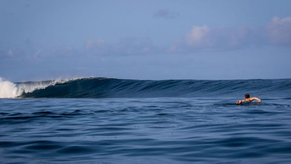 Kanduis or Nokandui is one of the fastest, down the line, left-hand barrels in the world.